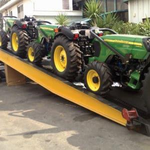 También puede transportar equipamiento pesado, de hasta 10 toneladas